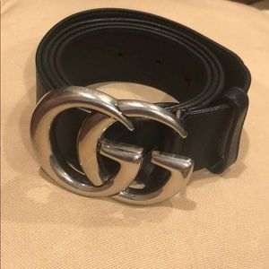 Men's GUCCI belt.